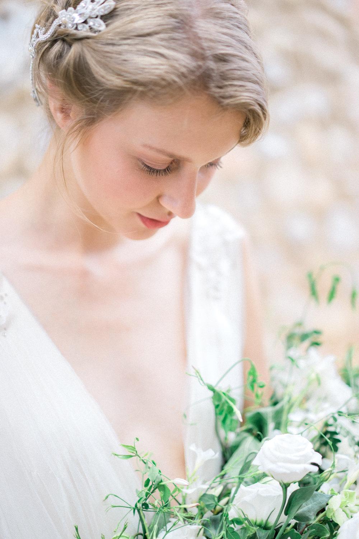 Goddess-Inspired Bride in Costa Navarino / cottagehillmag.com