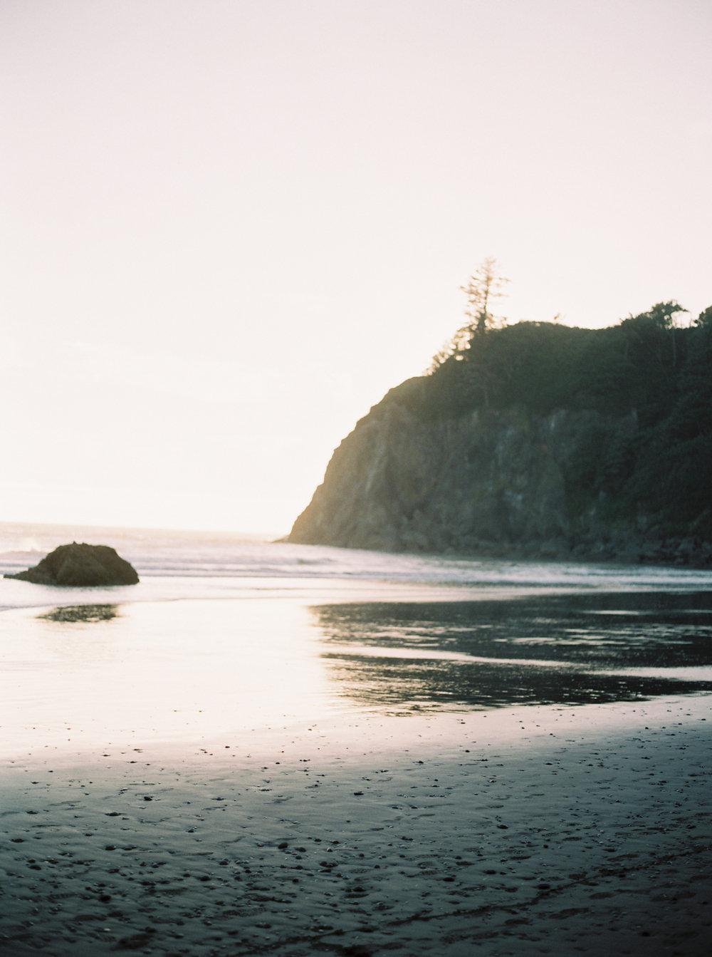 Intimate Anniversary on Oregon Coast on Cottage Hill