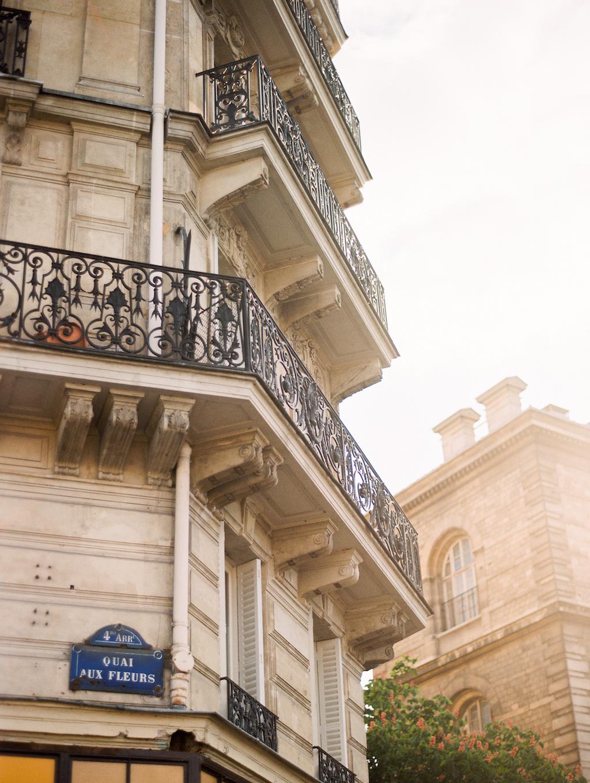 Kristin-La-Voie-Photography-Paris-Honeymoon-89.jpg