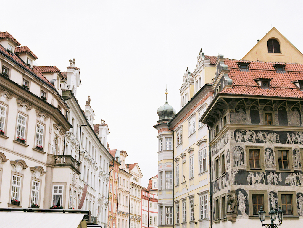 Guide to Prague Cottage Hill_125.jpg