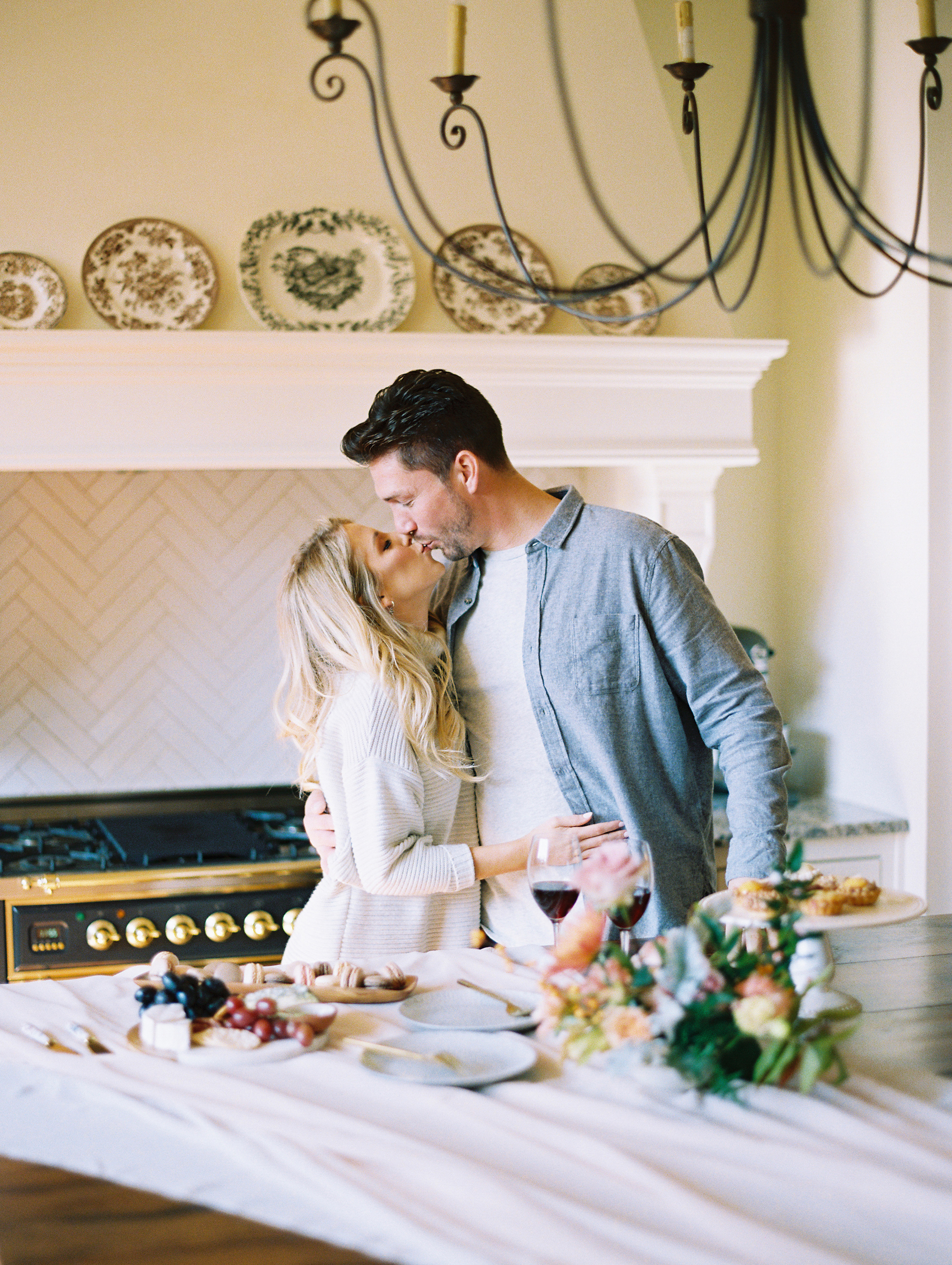 © Cottage Hill, LLC | Cozy Farmhouse Engagement | cottagehill.co13.jpg
