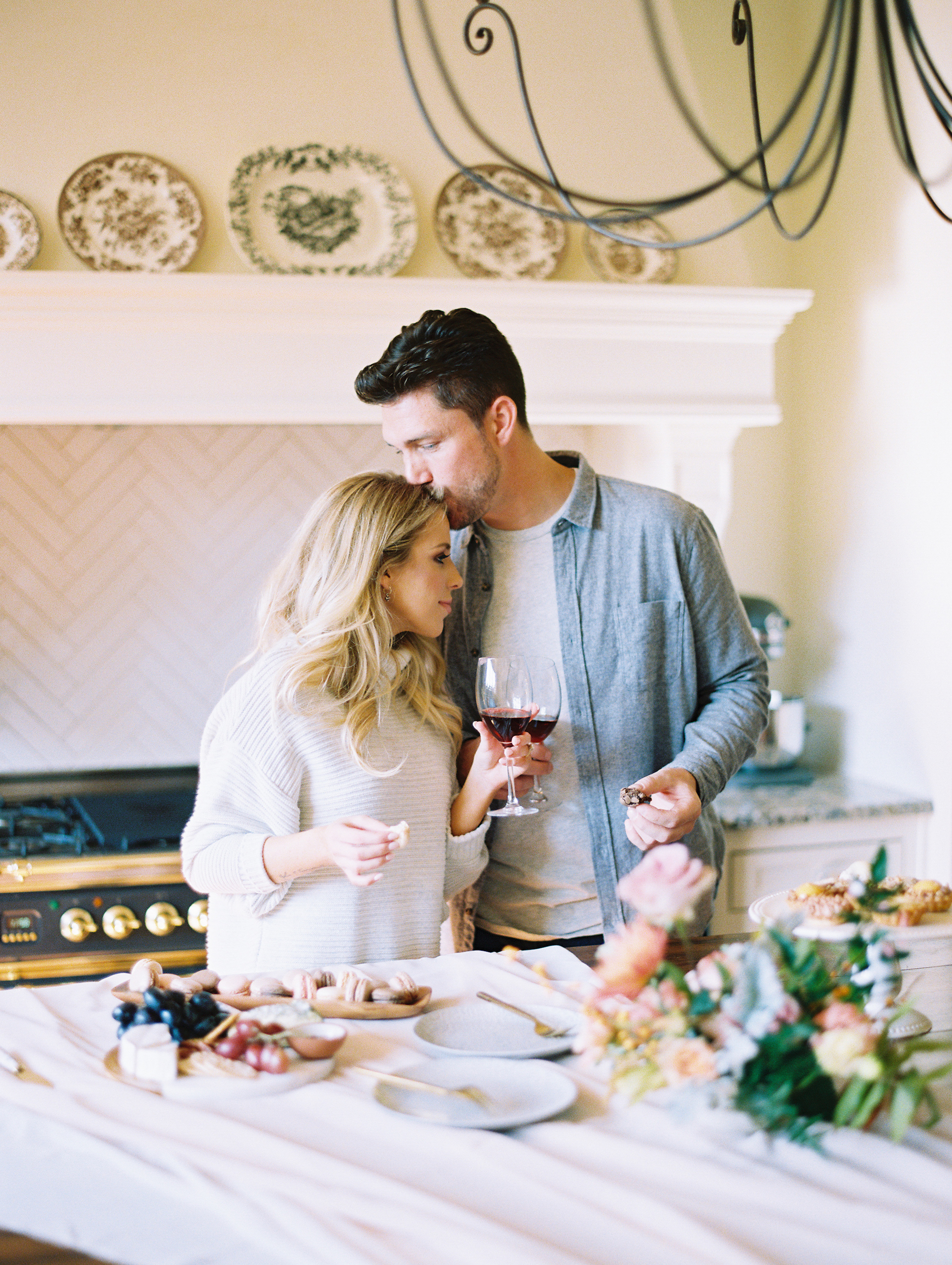 © Cottage Hill, LLC | Cozy Farmhouse Engagement | cottagehill.co17.jpg