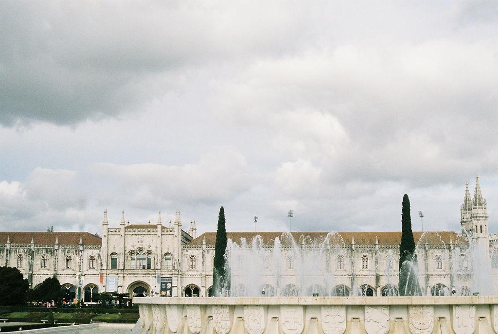 © Cottage Hill, LLC | cottagehill.co | Lisbon on Film30.jpg