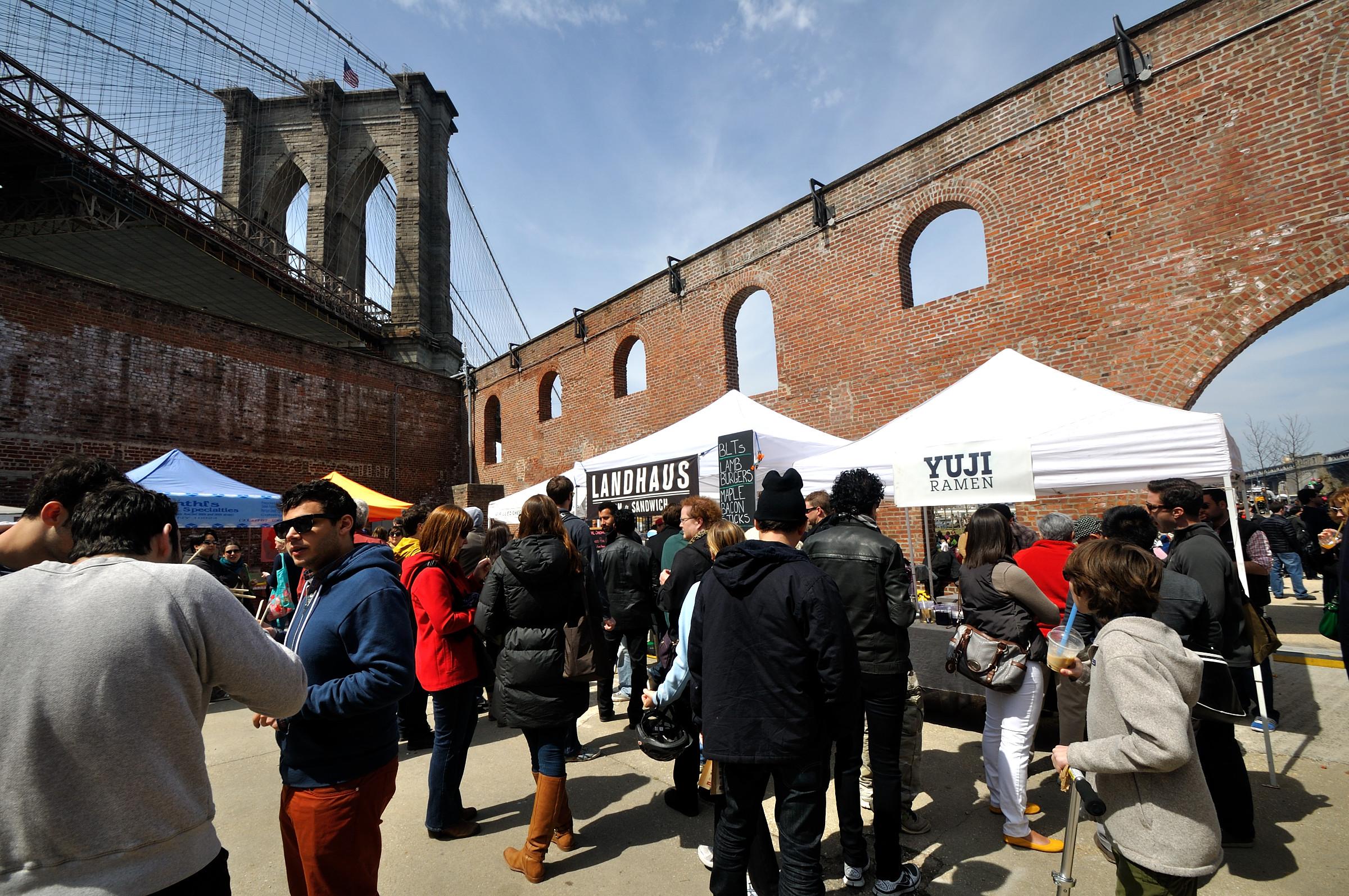 Brooklyn Bridge Park : Dumbo Flea .jpg
