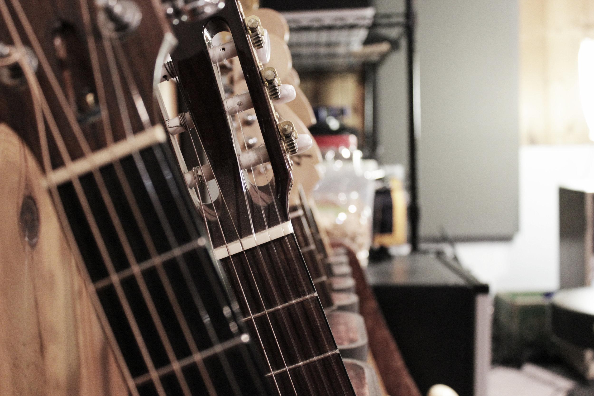 Guitars 001.jpg