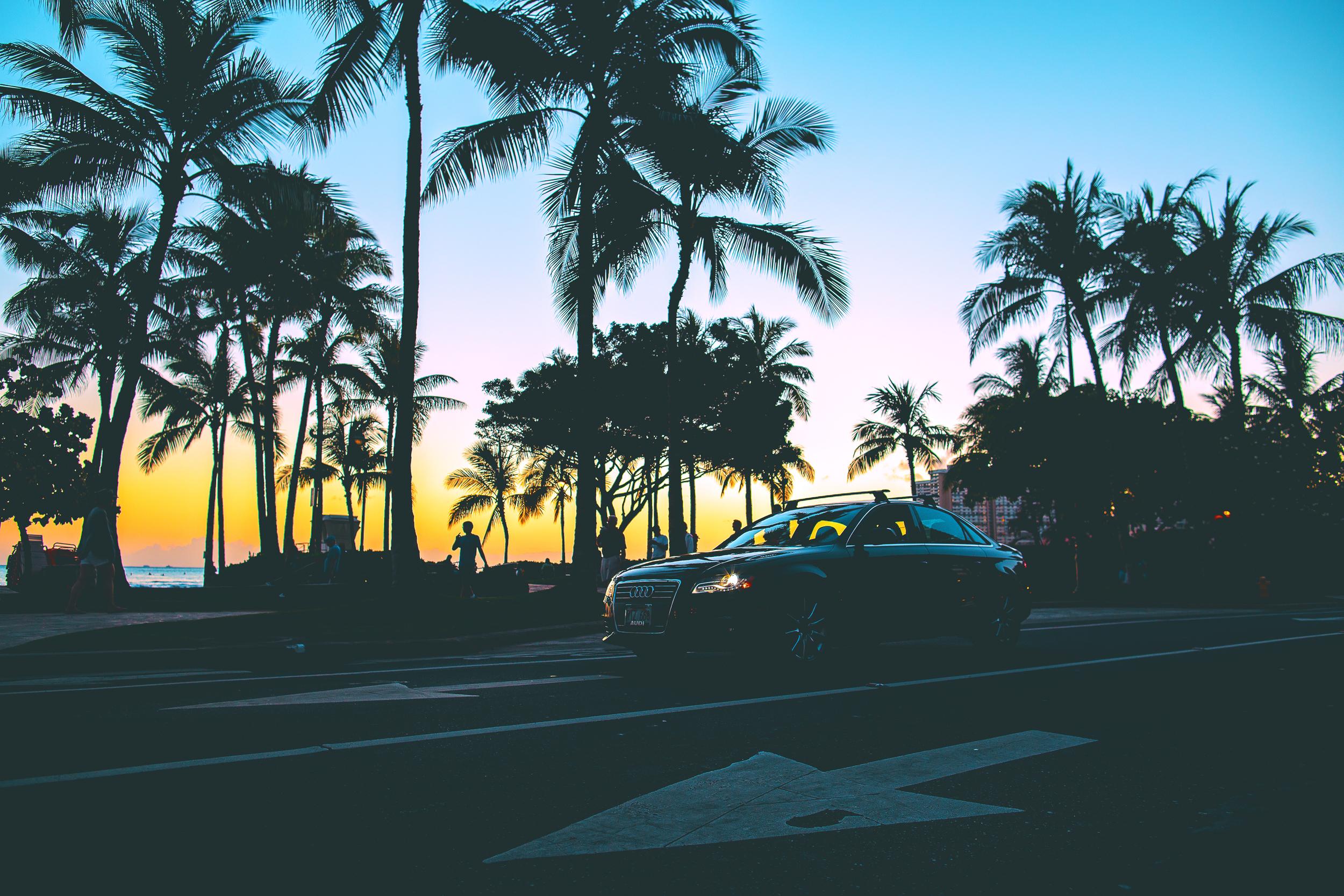 JLRoyal_Waikiki_KalakauaAveSunset2.jpg
