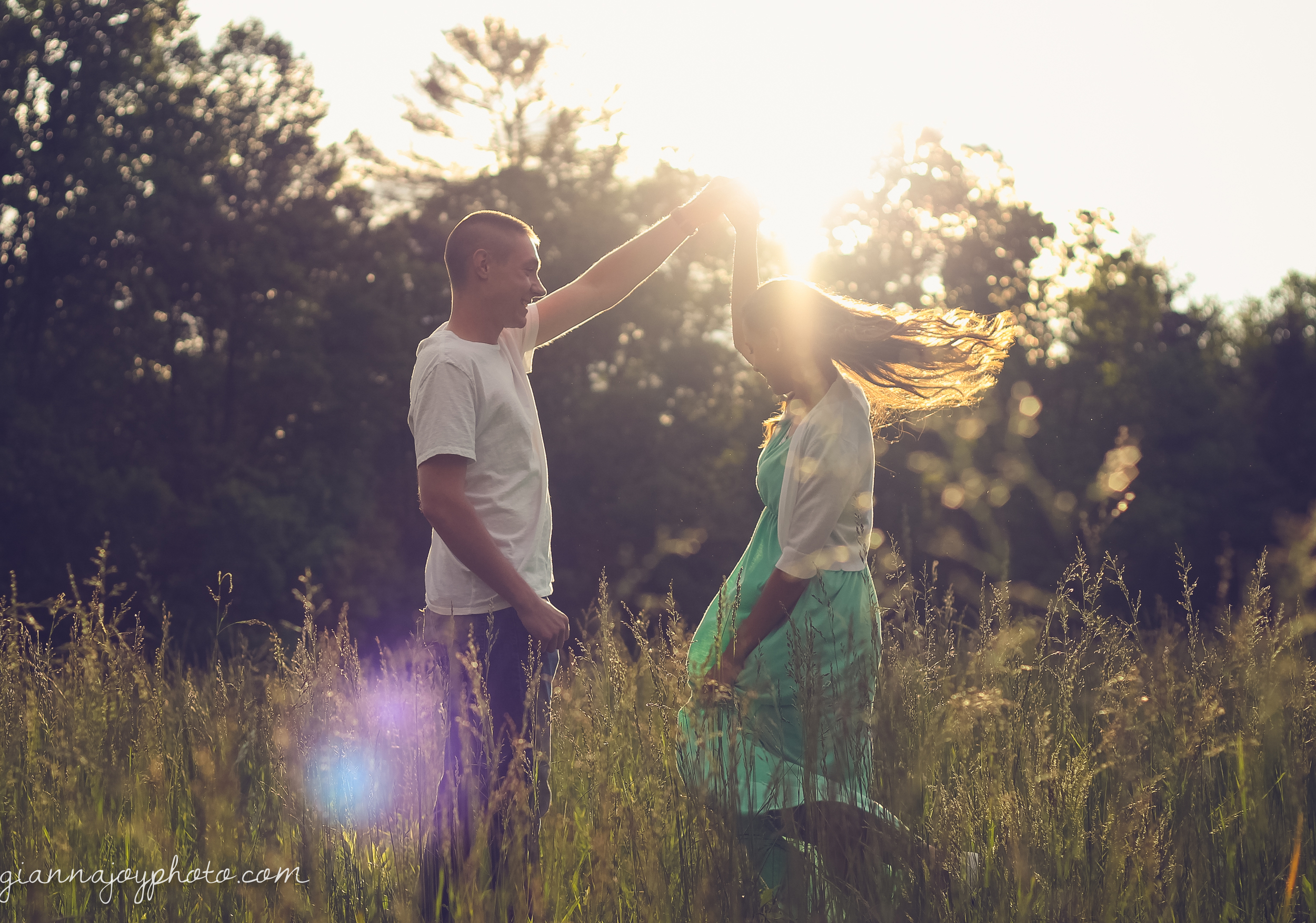This is one of my absolute favorite shots of the evening! It was a moment when the sun peeked out and we caught some beautiful light! Plus, how adorable are they?