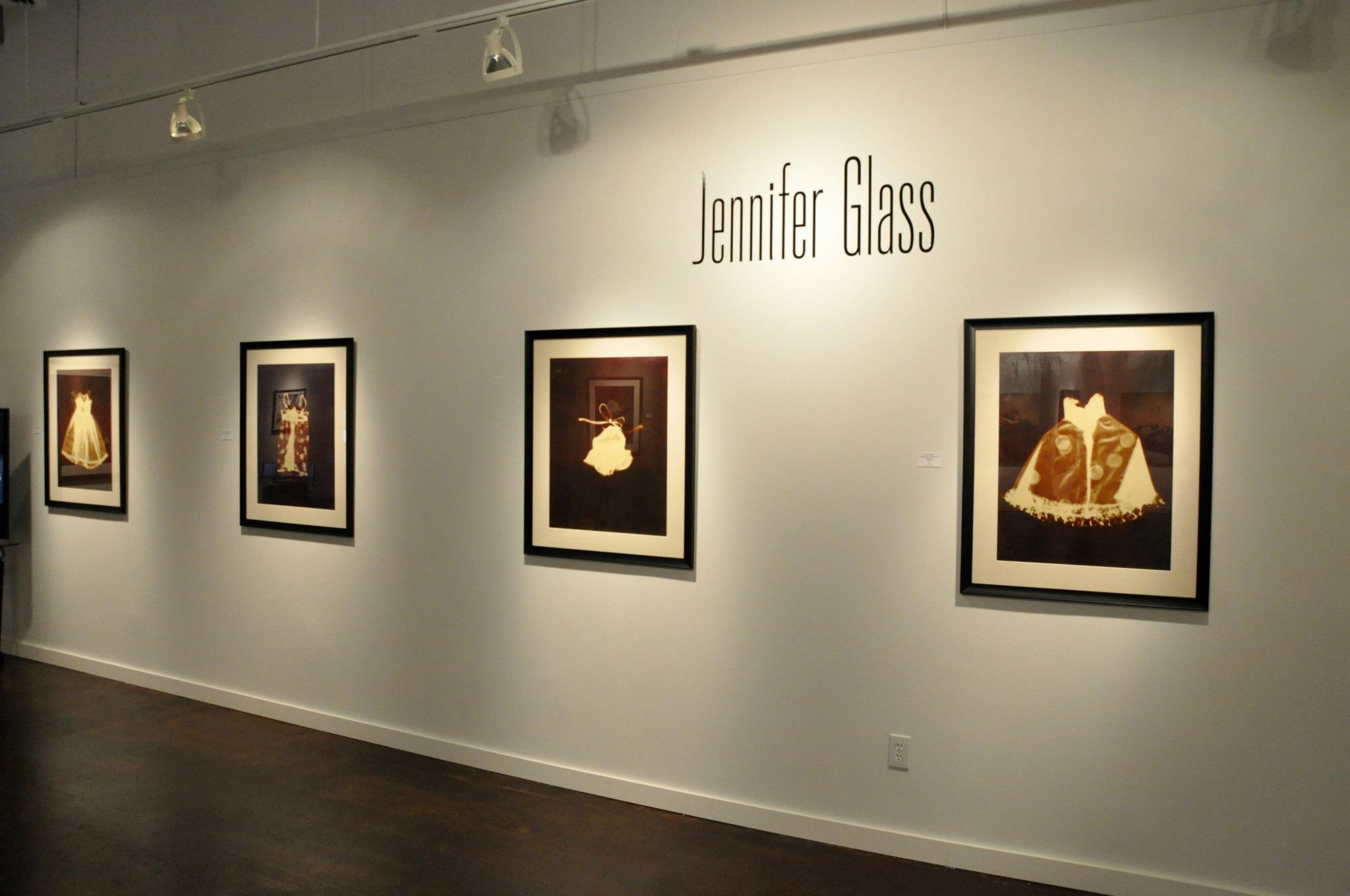 exhibition of antiquarian process in Nashville gallery