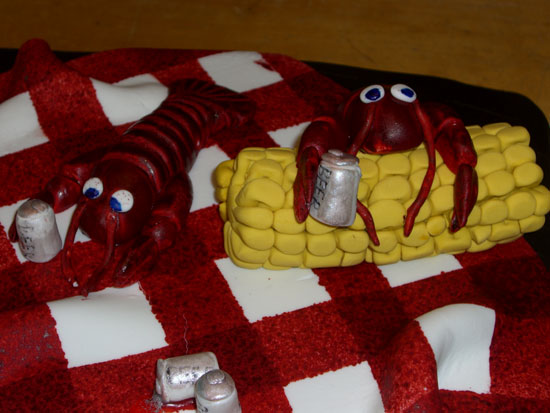 Here's a close-up of the cake. As you can see, the crawfish have had a little too much beer (note the bloodshot eyes). LOL!
