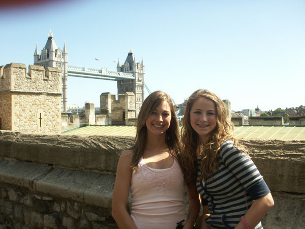 The girls visit Tower Bridge, built in 1894. The towers were built to house the giant machinery and counterweights needed to swing up the two halves of the bridge. A walkway was hung above the road so that people could still cross over when the bridge was raised.
