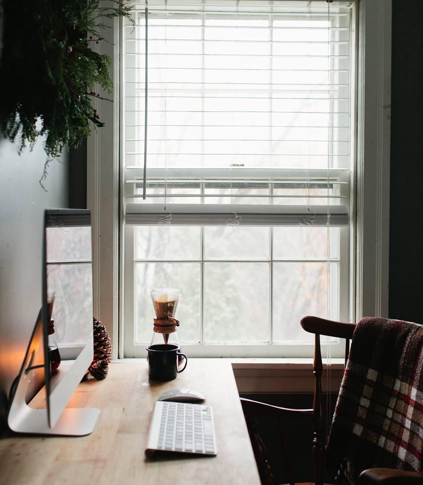 Window Computer Desk Pour Over Coffee ITCHBAN.com.