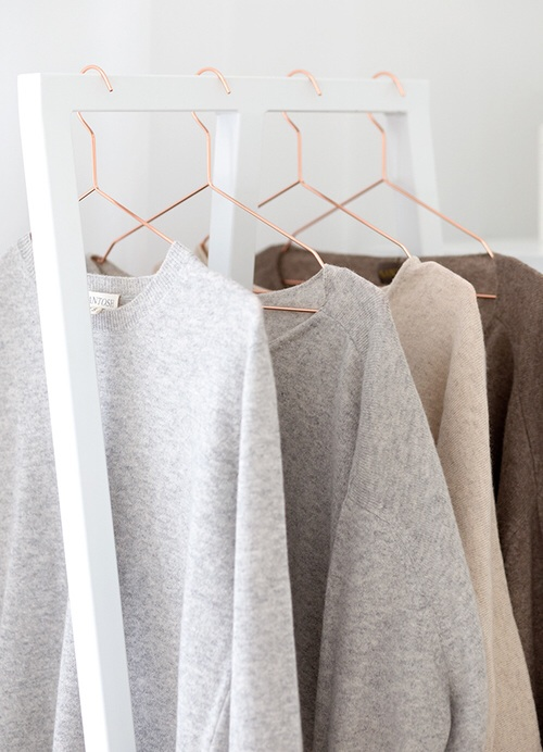 Clothing rack and Cashmere ITCHBAN.com