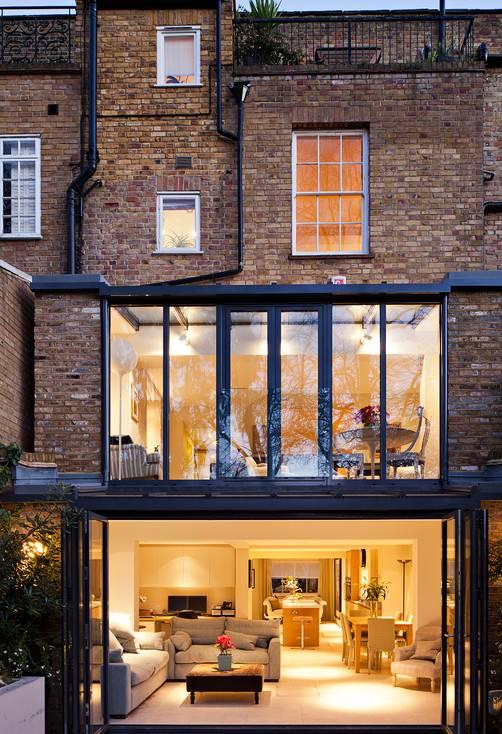 Three storey house with nice courtyard ITCHBAN.com
