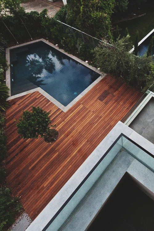 Wooden deck pool ITCHBAN.com