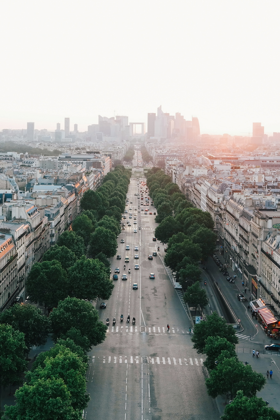 View of Paris architecture and city layout ITCHBAN.com