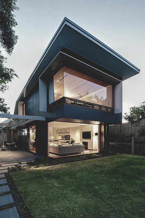 Modern House Design with Glass windowed lounge room ITCHBAN.com