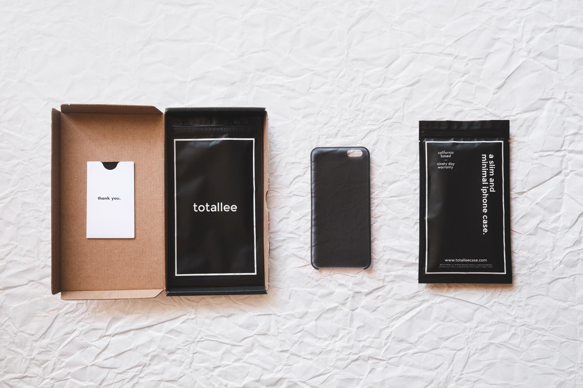 totallee-scarf-iphone-case-packaging