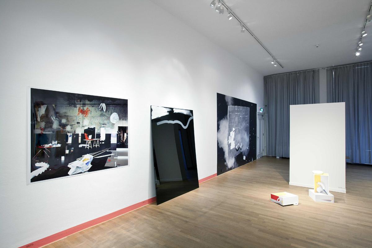 Der Ausbruch einer Flexiblen Wand (hart und weich) at the group-exhibition Still/Life at FOAM 2011
