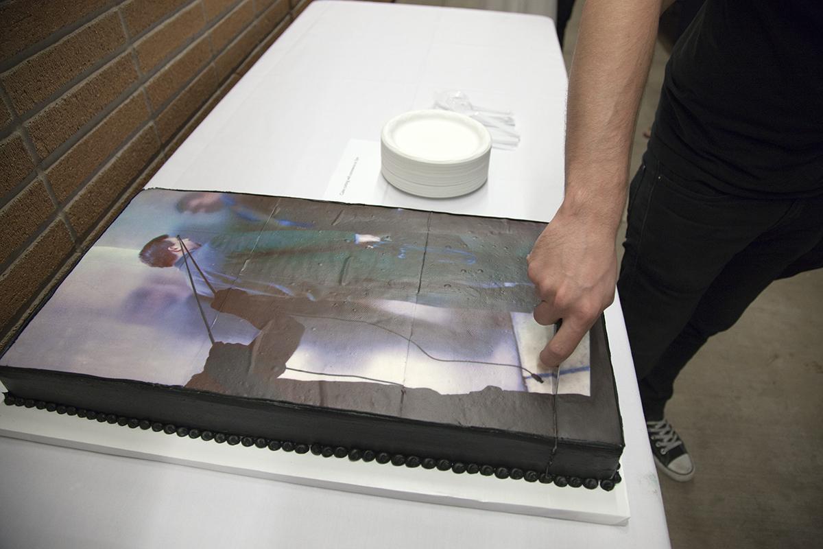 temporary_cakes_LA_new_wight_biennal_01.jpg