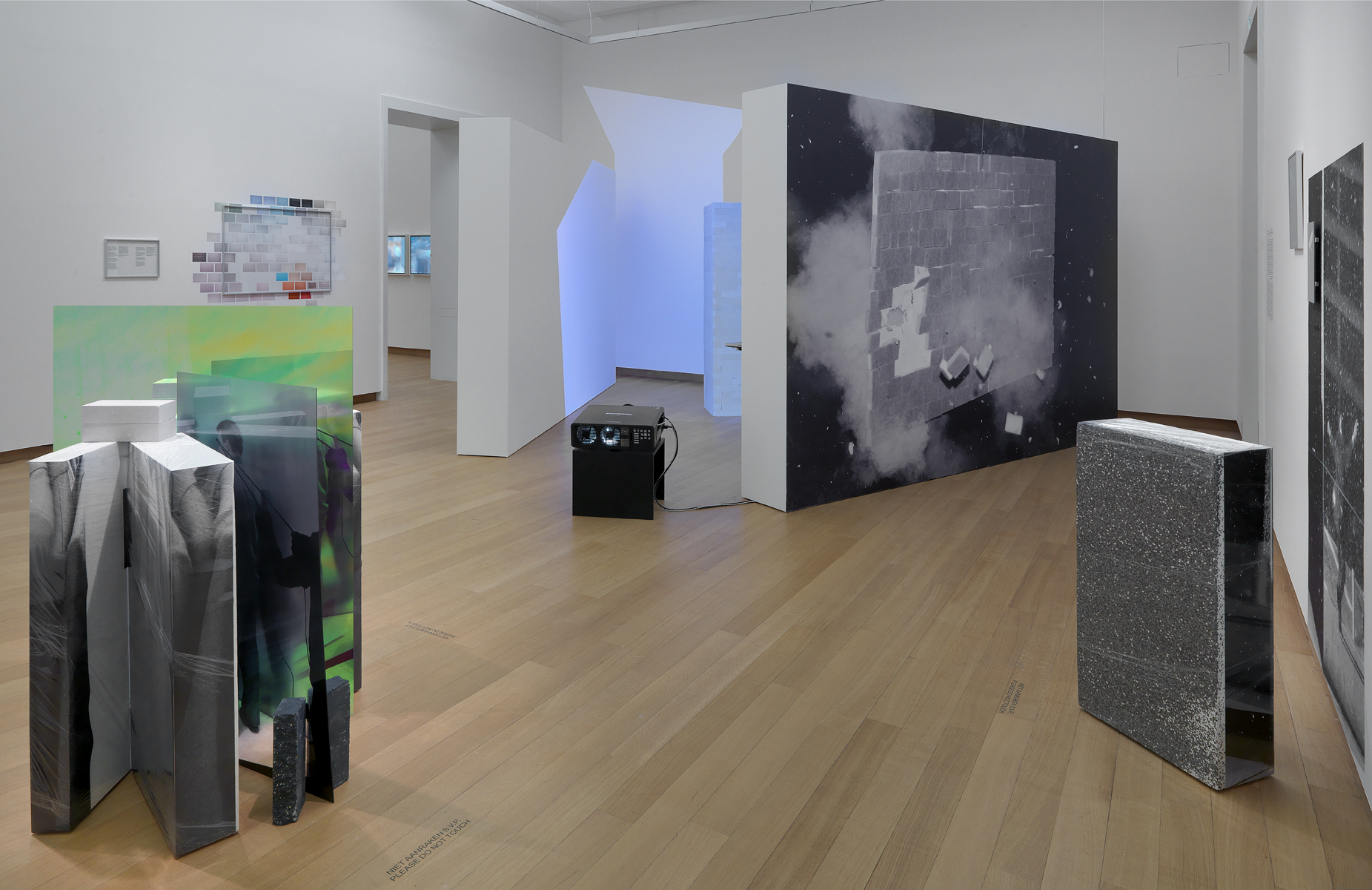 exhibition overview Within Interpretations of a wall