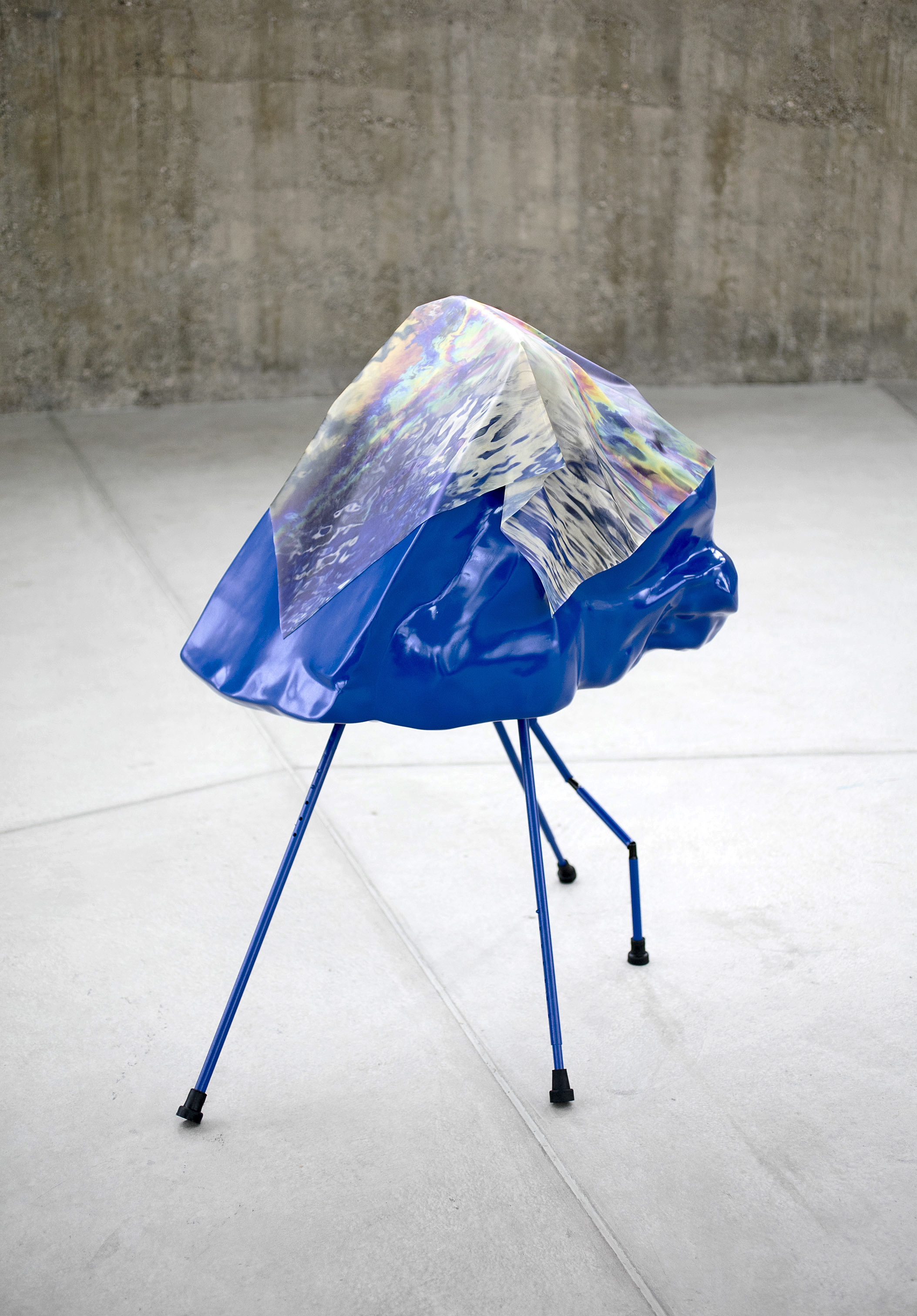 FLAT HEAD, Sculpture, 2017,128 x 82 x 120 cm,Inkjet print on latex, fiberglass, paint, metal, rubber