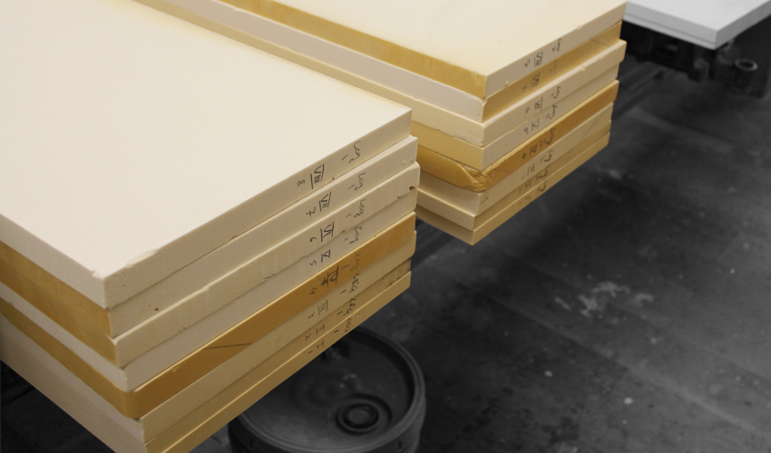 ztable-asteriskos-organic-maya-table-fabrication-modern-foam-furniture-process-1.jpg
