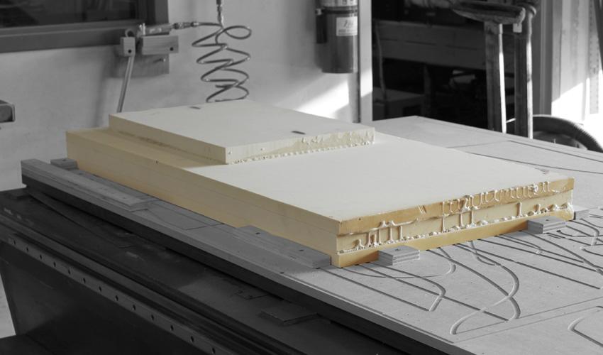 ztable-asteriskos-organic-maya-table-fabrication-modern-foam-furniture-process-cnc-glued-1.jpg