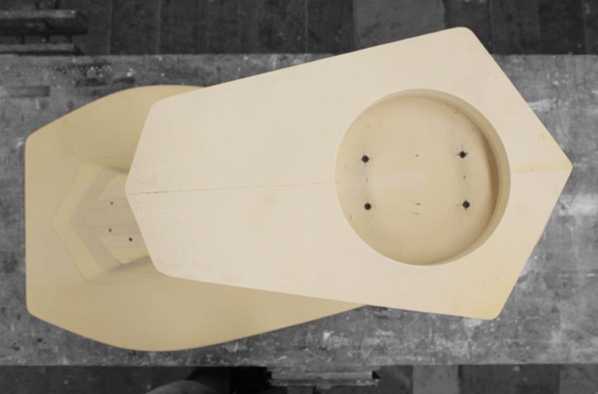 ztable-asteriskos-organic-maya-table-fabrication-modern-foam-furniture-process-cnc-base.jpg