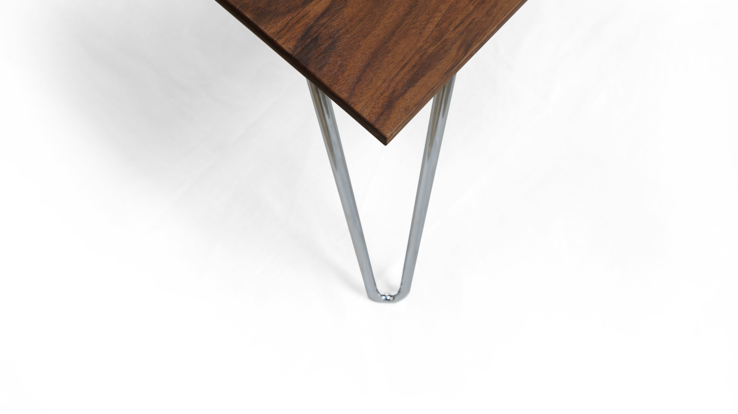 sarajevo-table-benhall-design-modern-furniture-hairpin-wood-cnc-detail-corn.png