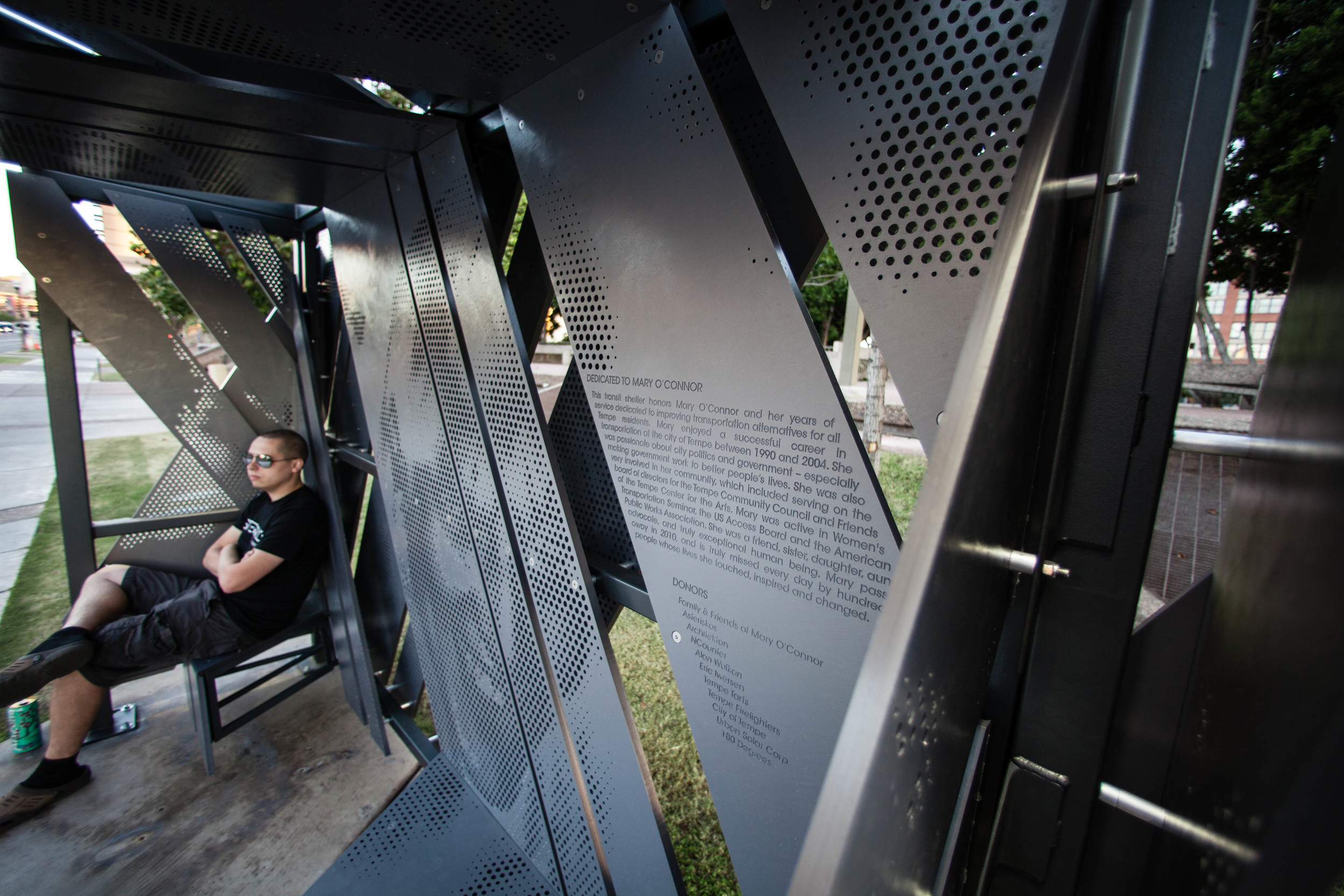 Memorial-transit-shelter-asteriskos-digital-fabrication-tempe.-floating-bench.jpg