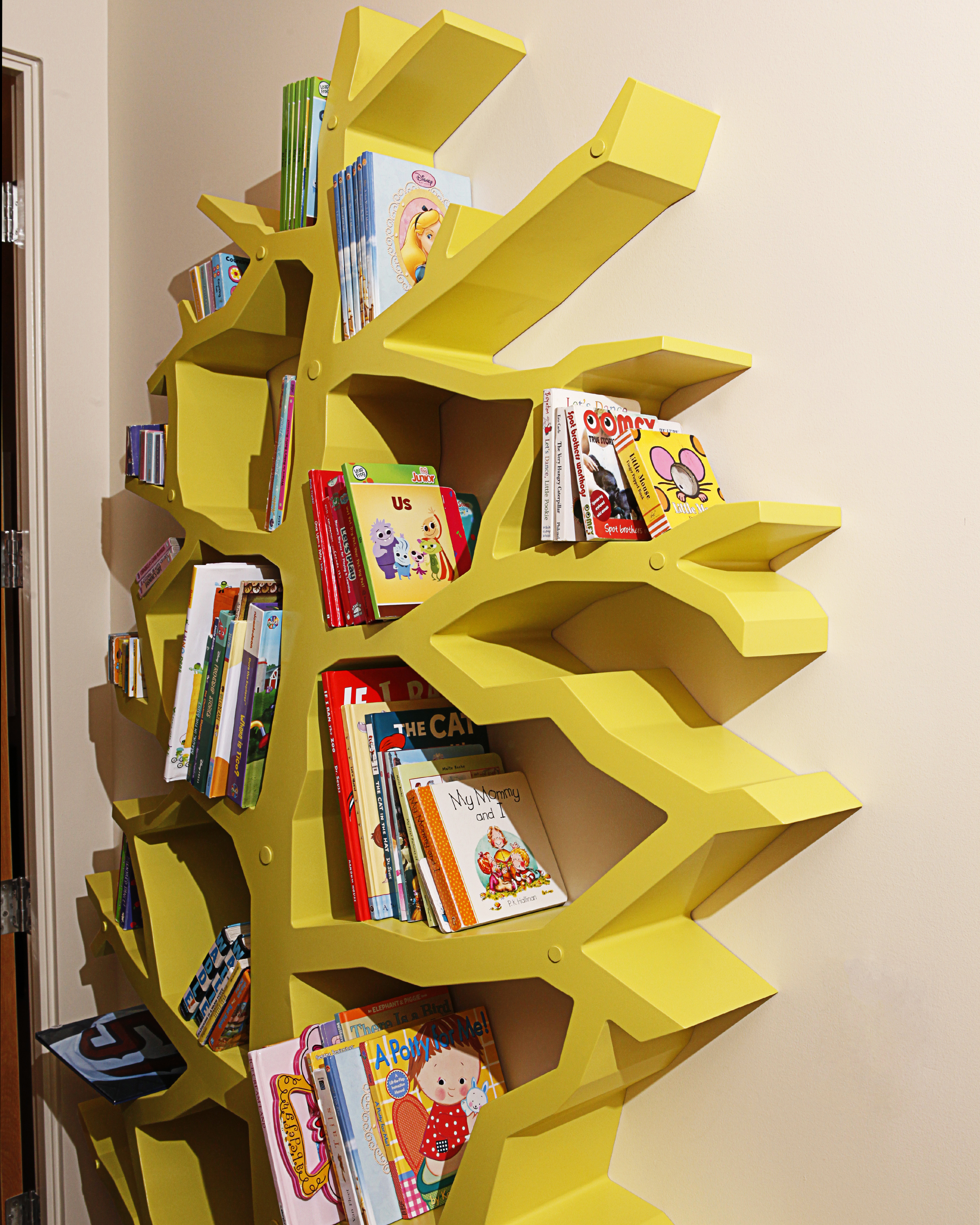 tree-shelf-asteriskos-modern-cnc-furniture.jpg