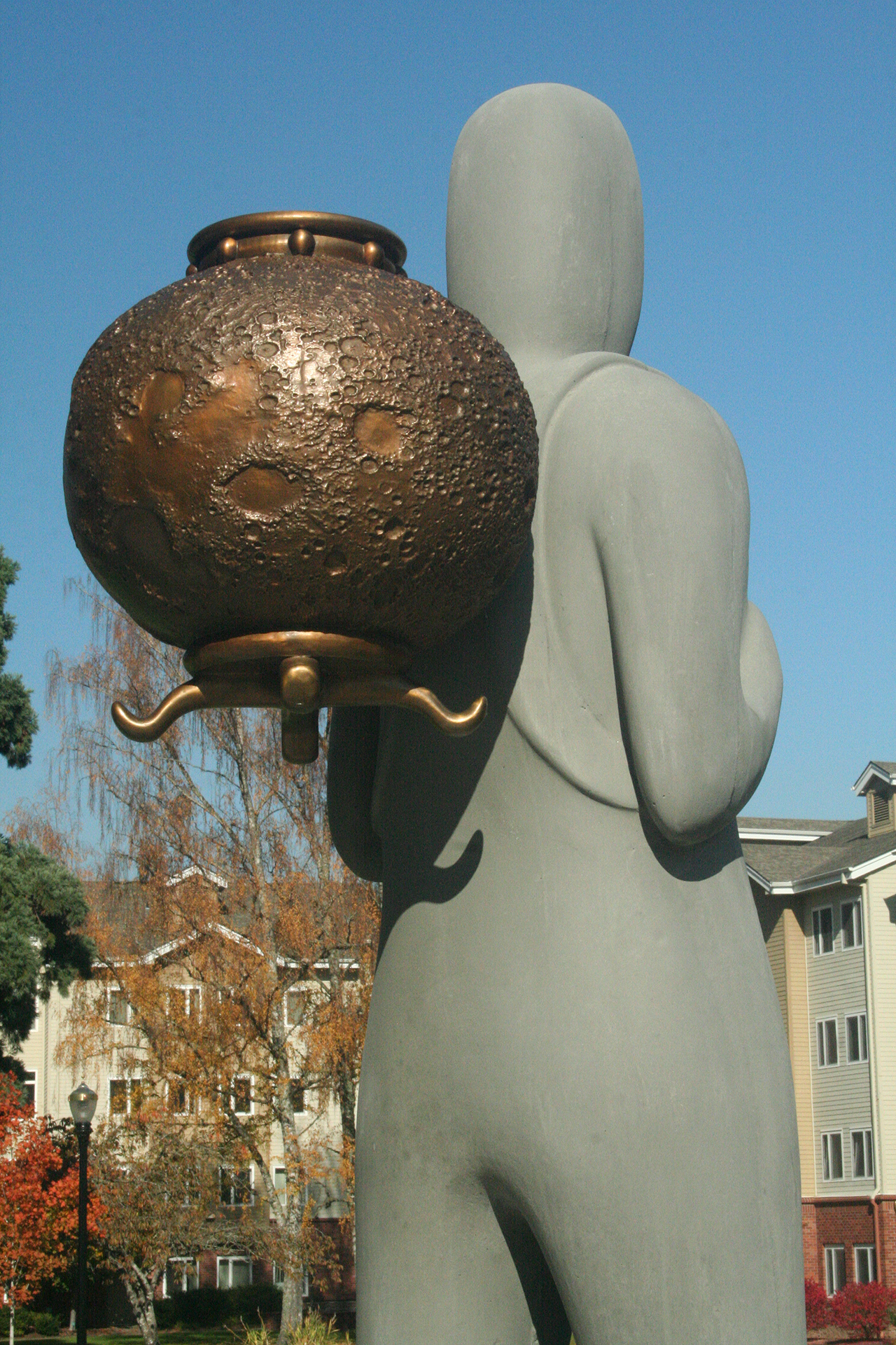 Asteriskos-colabstudio-vase-publicart-whatweholddear-bronze-cast.jpg