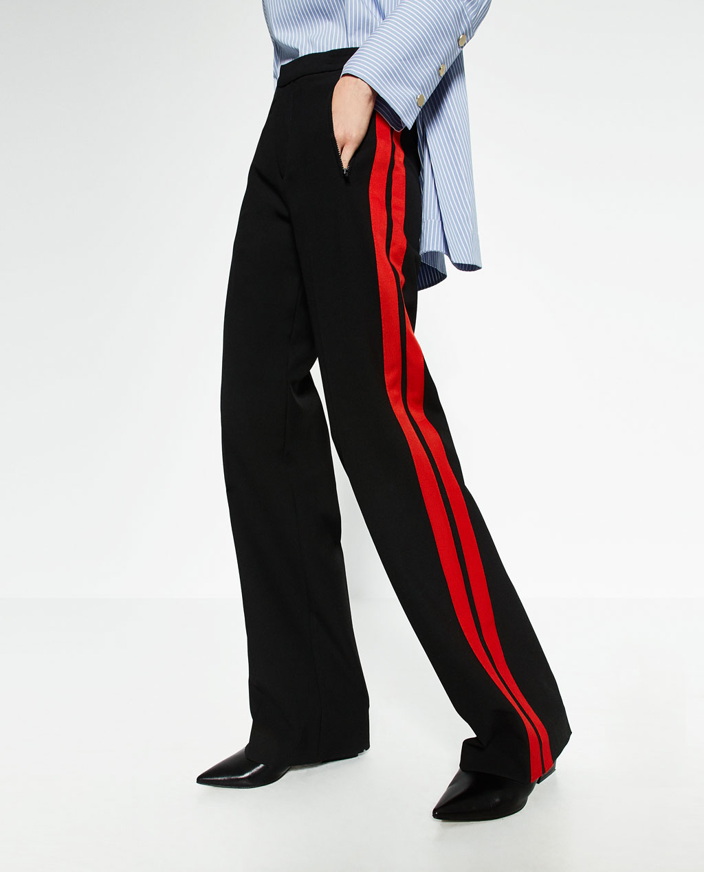 Zara  have introduced some wide, two stripes of red trousers. Very military (very Mulberry AW16) and look strong with a blue and white striped shirt and pointed flats.