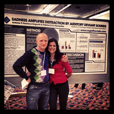Fabrice and Toñi presenting their study on sadness and deviance distraction at the Annual Meeting of the Association for Psychological Science in Washington (2013)