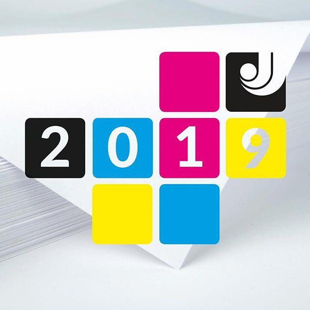 2 0 1 9 💫 #trykkeri #trykksaker #bok #design #storformat #banner #dekor #plakat #papir  Velkommen inn, og godt nyttår nye og gamle kunder!