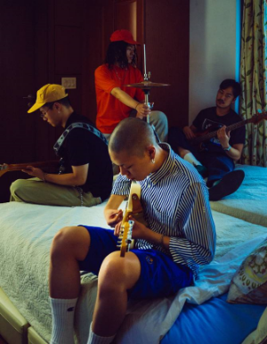 Hyukoh Band (혁오밴드), the adorably awkward group of alternative rock prodigies, is currently enjoying a level of fame unmatched by any other indie musicians.      ©혁오 Hyukoh-Facebook
