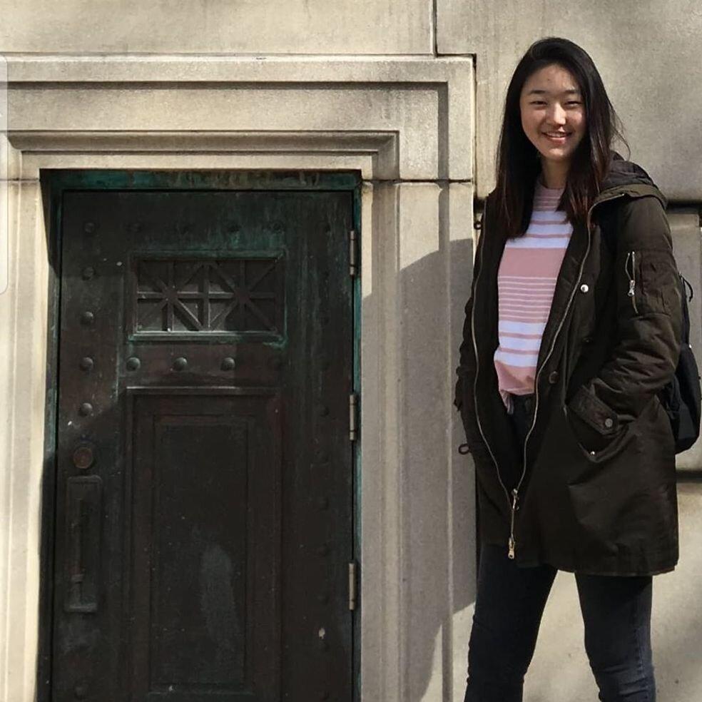 Sarah Kim '22  Apprentice Biological Sciences/Computer Science/Global Health Favs: HYUKOH, Shaun, BIG BANG Guilty of Playing: Psy