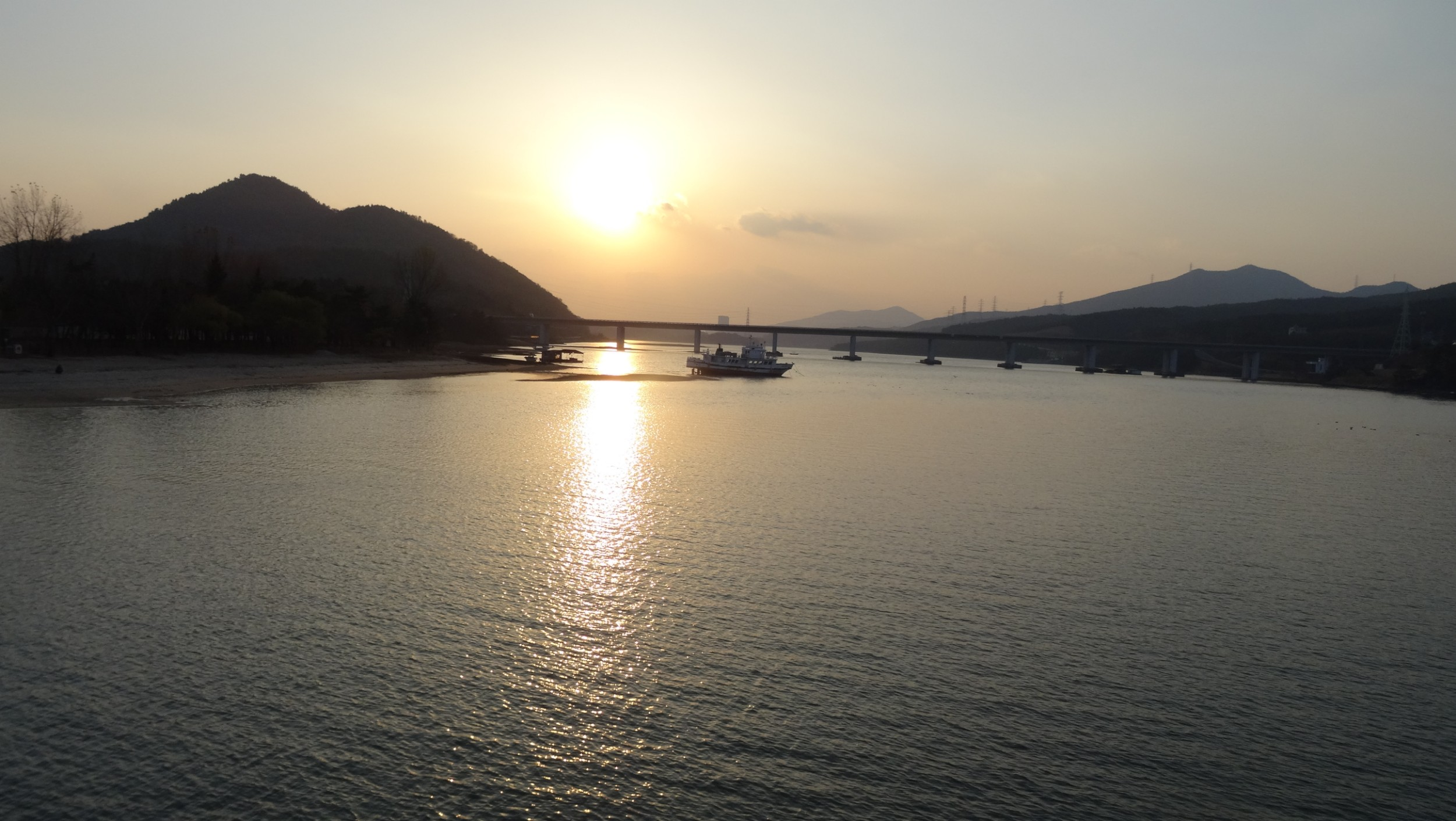 Sunset at Seomjingan River Trail Head