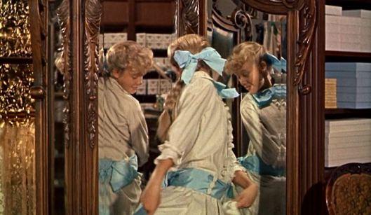 Blue sash? Yes, Please.