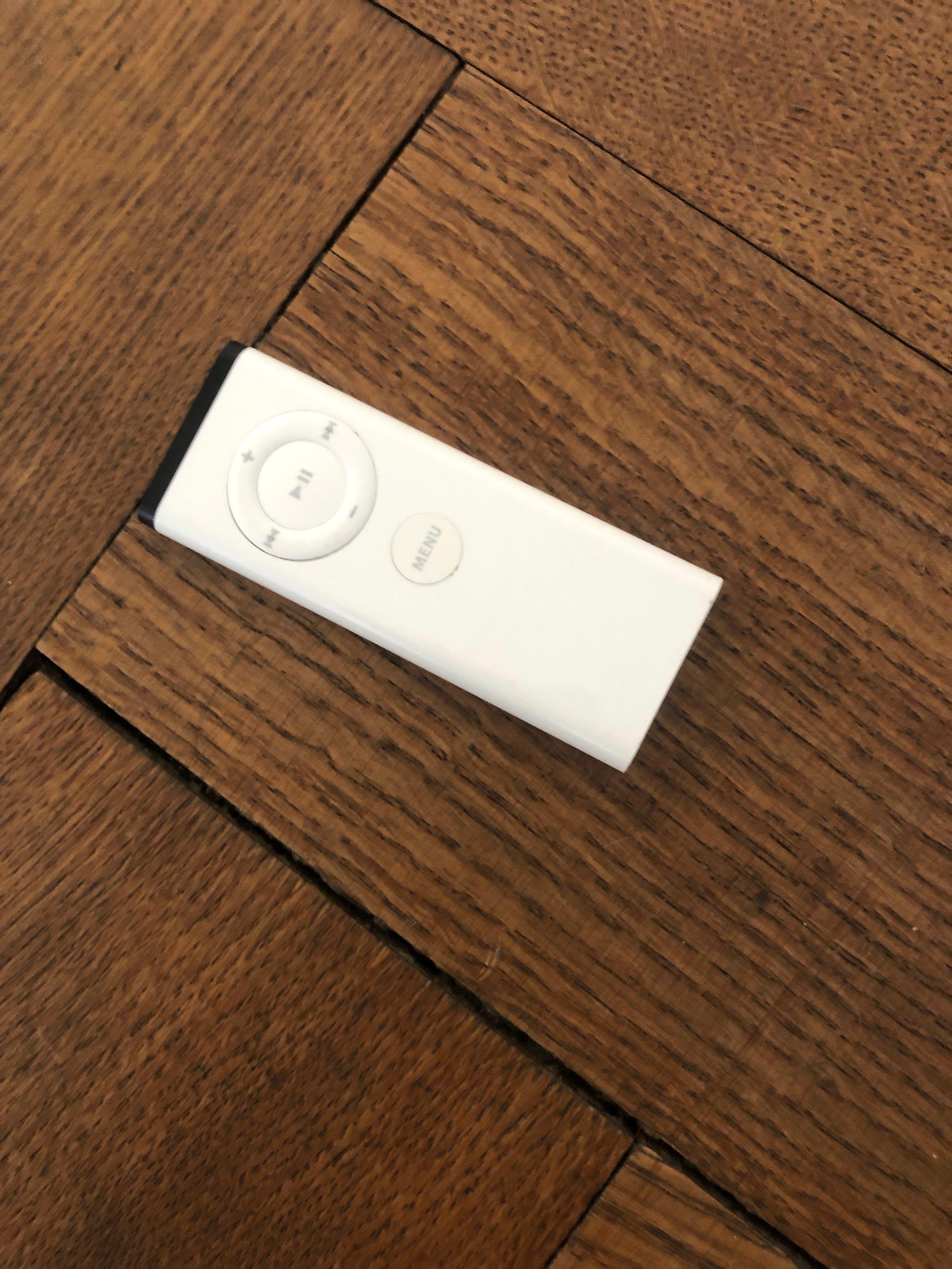Apple TV Remote (old)