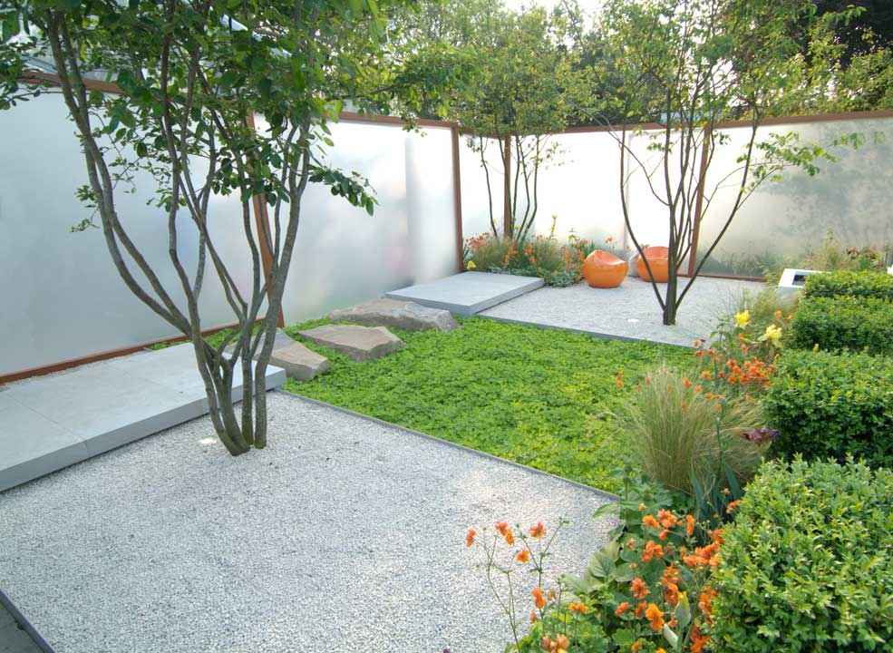 fall is the best time to hire a garden designer