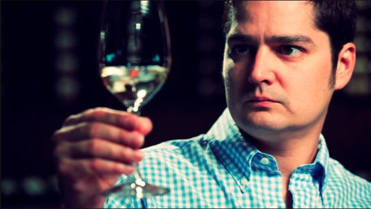 How to Taste Vino Like a Sommelier