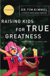 Learn how to prepare your kids for rich lives of true greatness by helping them find answers to life's three most crucial, life-changing questions regarding their mission, mate, and master:What are they going to do with their potential?Who will they spend their lives with?Who will they live it for?