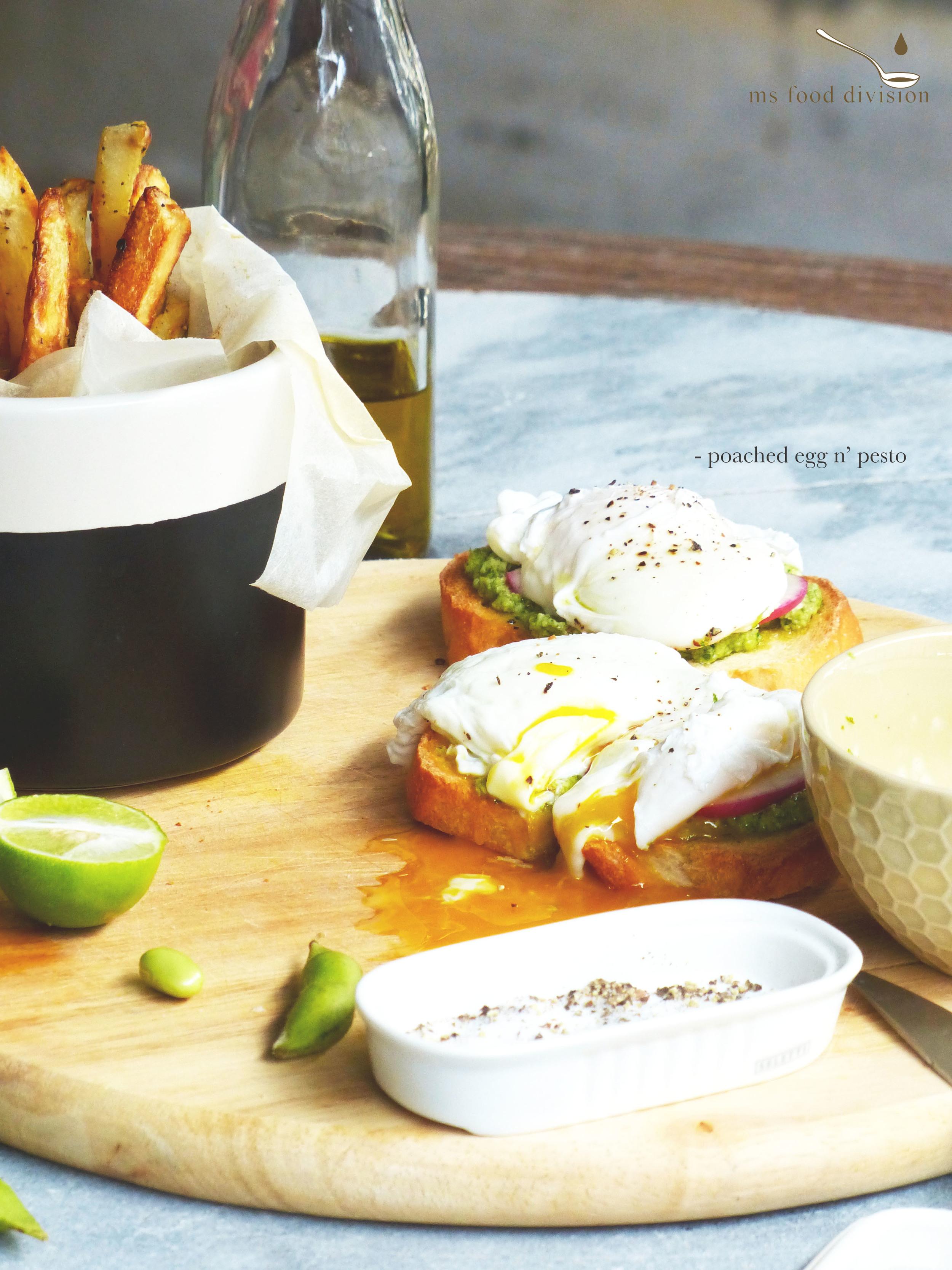 poached egg n' pesto2.jpg