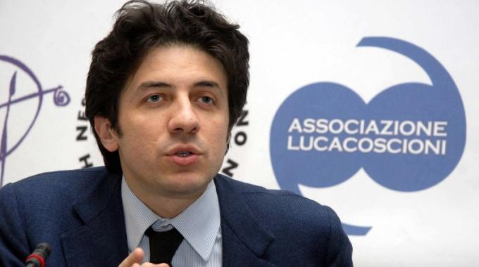 Marco Cappato. político ex europarlamentario del partido 'Radicale' y tesorero de la Asociación Luca Coscioni .