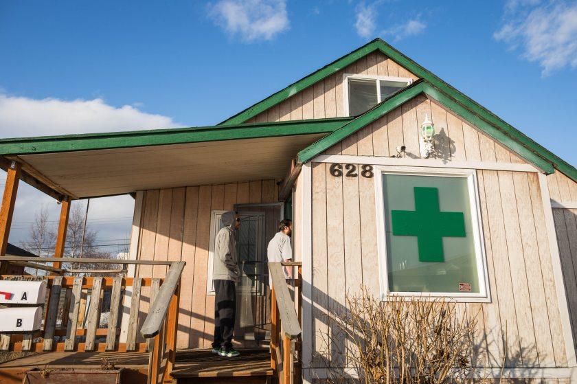 El Alaskan Cannabis Club. Anchorage, (Alaska)