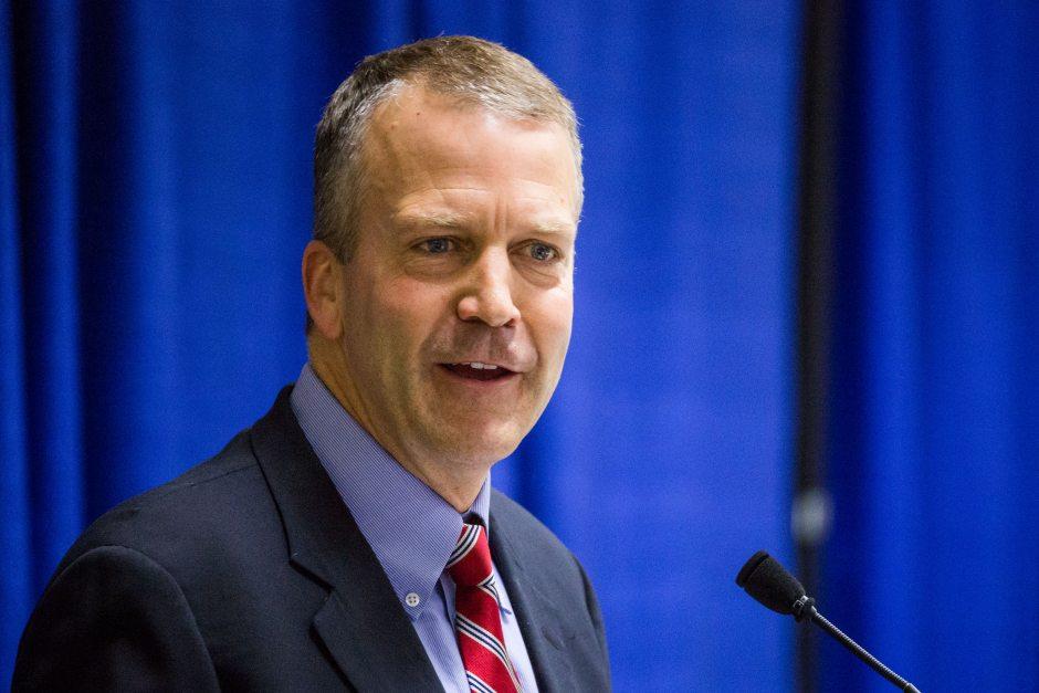Dan Sullivan, senador republicano de Alaska.