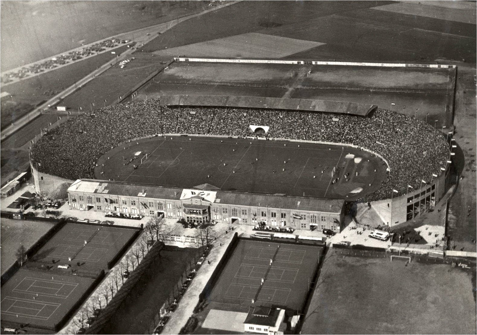 The Bosuil stadion in the glory days, full house with 68.000 fans.
