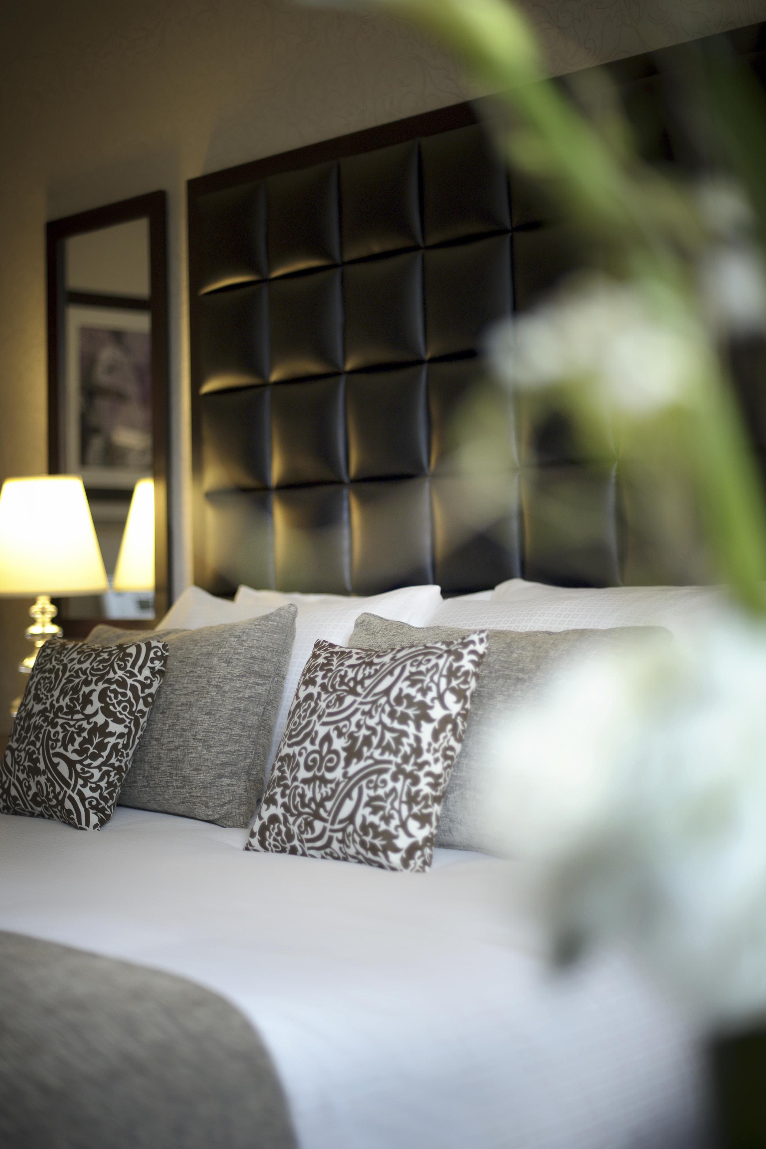 18_Guest Room.jpg