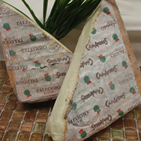 Taleggio  Raw Cow, 35 Days Italy (DOP)